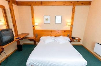 https://i.travelapi.com/hotels/21000000/20070000/20063900/20063880/f3085fa2_b.jpg