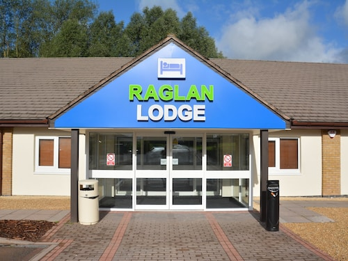 . Raglan Lodge