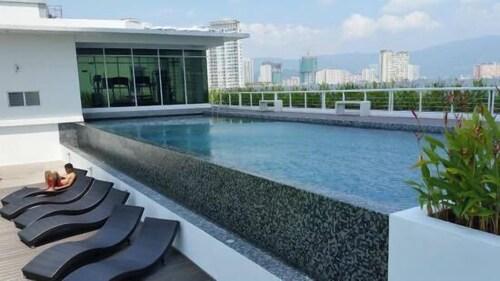Summertime Maritime Suite 1, Pulau Penang