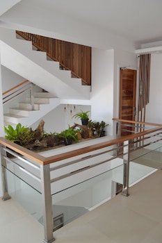 G EXECUTIVE HOTEL BORACAY Staircase