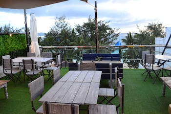 G EXECUTIVE HOTEL BORACAY Food and Drink