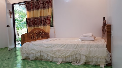 . Sohoton Bay Resort