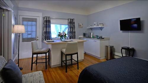 Parker House Suites, Greater Sudbury