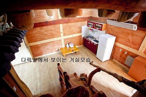 Danyang Hanok Pension, Danyang