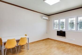 Daegwallyeong Snowflowertown Pension - Property Image 7