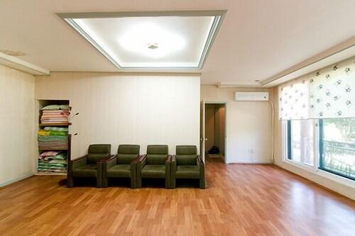 Hongchen Haeri House Pension, Chuncheon