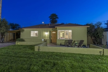 Encanto Bungalow by RedAwning
