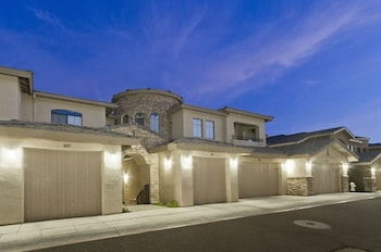 Desert Foothills Townhome - A1555 - by RedAwning
