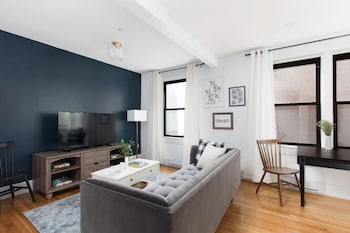 Stunning 1BR in Theater District by Sonder photo