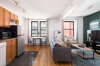 Classic 1BR in Theater District by Sonder photo