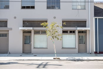 Hip 3BR in The Bywater by Sonder photo