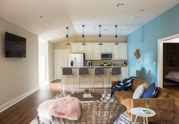 Charming 2BR in The Bywater by Sonder photo