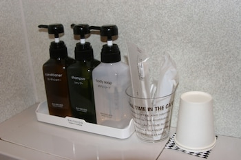 HIROSHIMA PEACE HOTEL UJINA Bathroom Amenities
