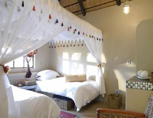 Uris Safari Lodge - Campground, Guinas
