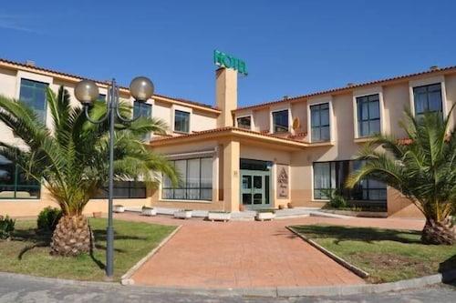 . Hotel Alonso de Monroy