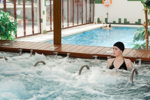 __{offers.Best_flights}__ SOMMOS Hotel Benasque Spa