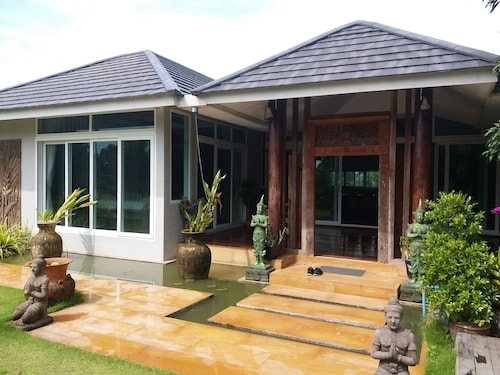 Mountain View Pool Villa Nakhonnayok, Ban Na