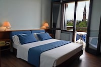 Deluxe Double Room Single Use, 1 King Bed, Terrace (Panoramic )