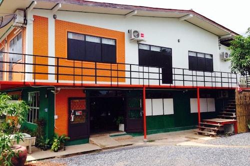 Sukkhiengdao Bar & Bed, Muang Nakhon Nayok