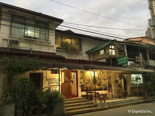 Humble Hut Hostel, Manila