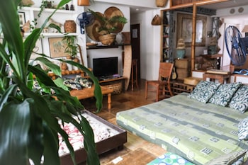 HUMBLE HUT HOSTEL Living Area