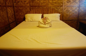 THE SHARKS TAIL DIVE RESORT Guestroom