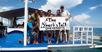 THE SHARKS TAIL DIVE RESORT Boating