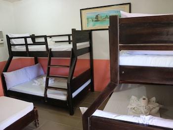 JAMJEN'S LODGE Room