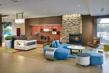 亨德森維爾弗拉特羅克萬豪費爾菲爾德套房飯店 Fairfield Inn & Suites by Marriott Hendersonville Flat Rock