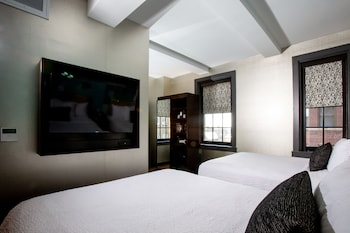 Guestroom at Fairfield Inn & Suites by Marriott Philadelphia Downtown/Center City in Philadelphia