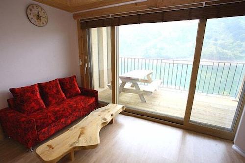 Suncheon Golden Lakeside Pension, Suncheon