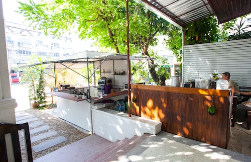 The Gallery 24 Art Cafe Guesthouse - Hostel, Muang Chiang Mai