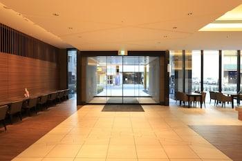 SMILE HOTEL PREMIUM OSAKA HOMMACHI Interior Entrance