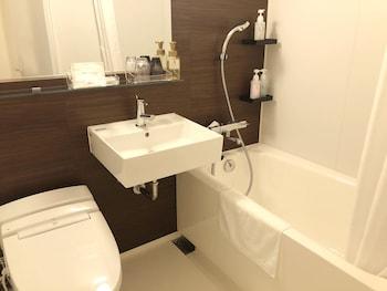SMILE HOTEL PREMIUM OSAKA HOMMACHI Bathroom