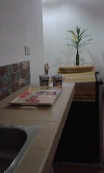 HAMBILICA ECOLODGE Private Kitchen