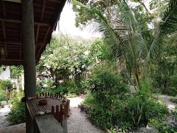HAMBILICA ECOLODGE Garden View