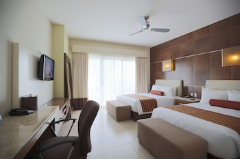 Standard Room, 2 Double Beds (Acceso Gratis a Club de Playa)