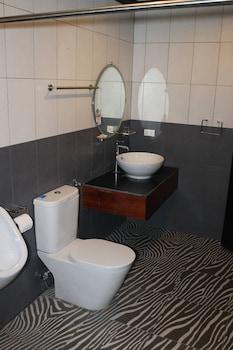 SEACOAST INN Bathroom