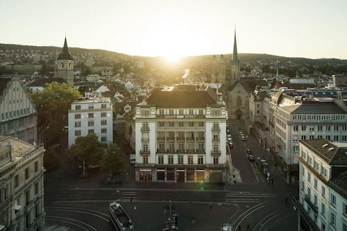. Savoy Hotel Baur en Ville
