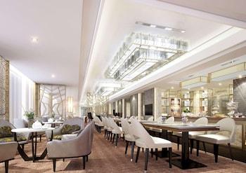 HILTON MANILA Executive Lounge