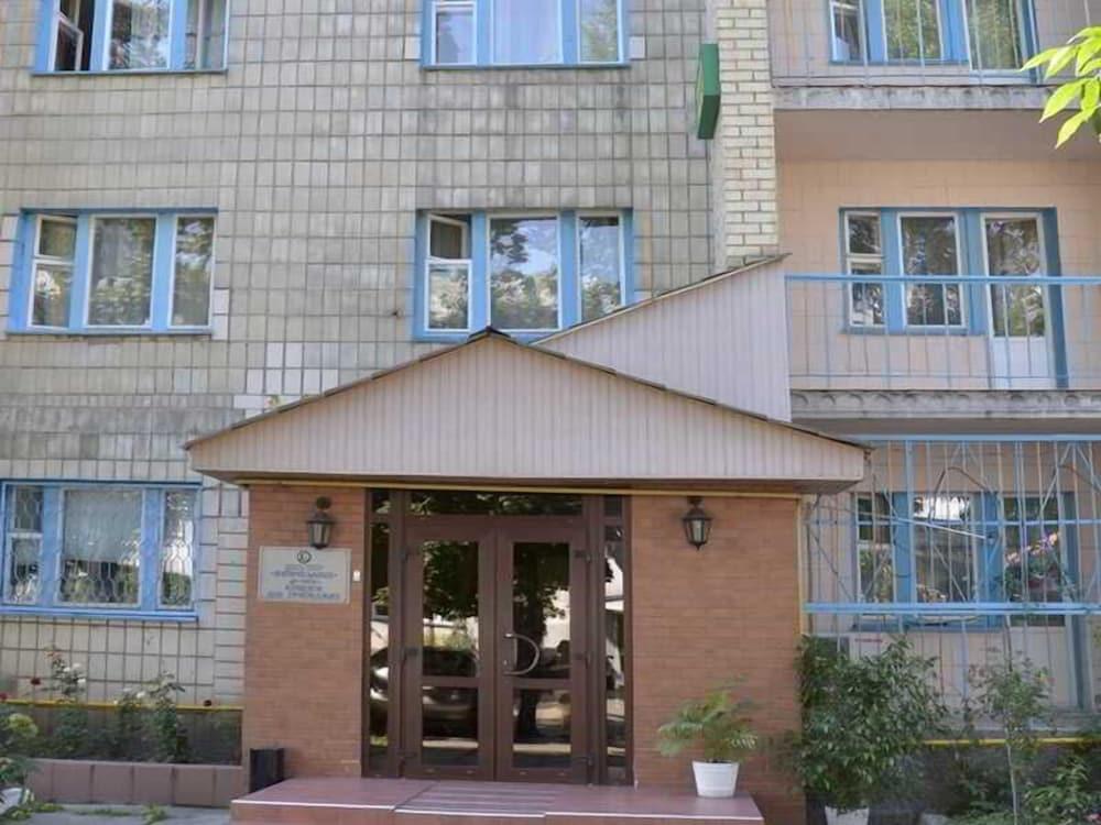 Отель «Экос» на ул. Петра Запорожца