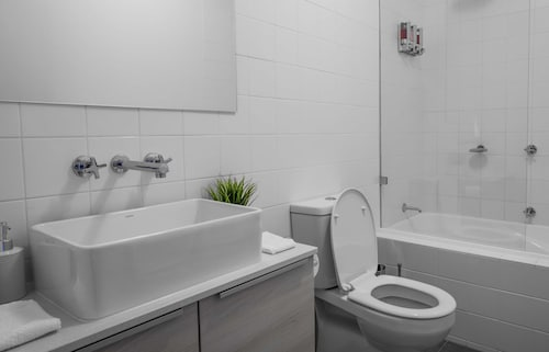 Roomerang at Lakeside Townhouse, Moonee Valley - West