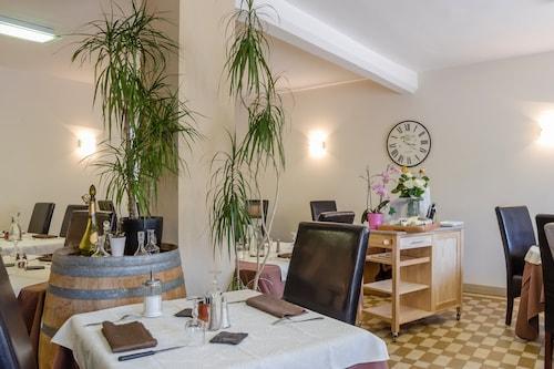 . HOTEL RESTAURANT DE LA DORE