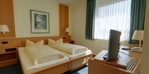 __{offers.Best_flights}__ Ems-Hotel