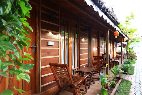 Resort Maya Beach, Trincomalee Town and Gravets