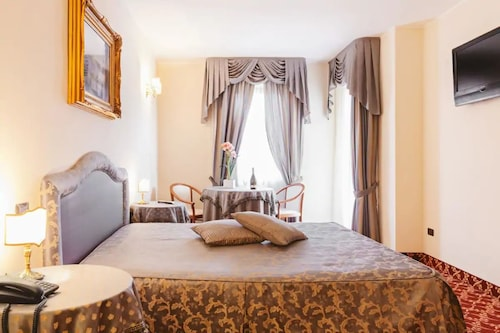 __{offers.Best_flights}__ Villa del Sorriso