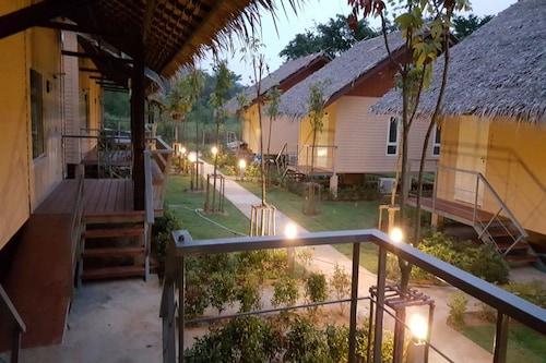 . Narinfah Resort