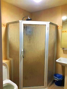 CEDAR PEAK CONDOMINIUM BY TRIPSTERS HUB Bathroom