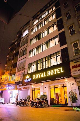 Royal Hotel, Đống Đa