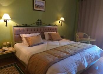 Standard Tek Büyük Yataklı Oda, Bahçe Manzaralı